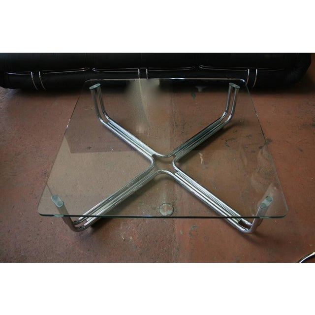 Gianfranco Frattini Tubular Chrome and Glass Coffee Table by Gianfranco Frattini for Cassina For Sale - Image 4 of 4