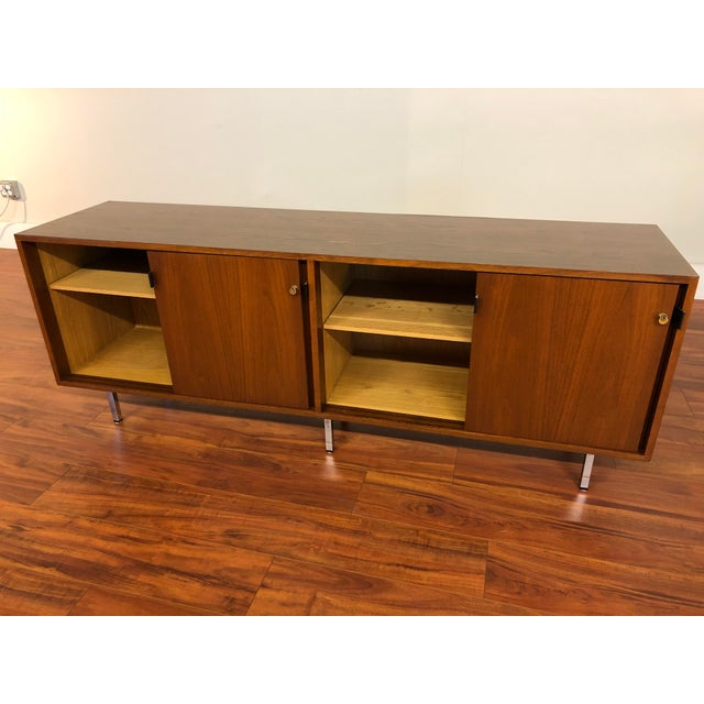 Florence Knoll Vintage Walnut 4 Position Credenza - Circa 1960s For Sale In Seattle - Image 6 of 11