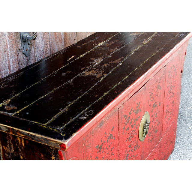 Late 18th Century Antique Chinoiserie Lacquer Cabinet For Sale - Image 5 of 8