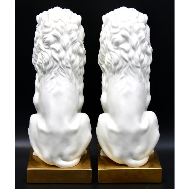 Mid 20th Century Italian Mottahedeh Ceramic Mantle Lions - a Pair For Sale - Image 5 of 13