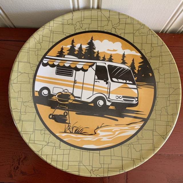 1990s Camping Outdoor Dining Trailer Park Plates, Set of Eight For Sale - Image 5 of 12
