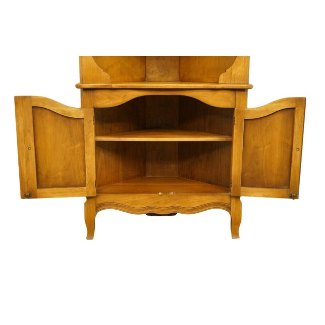 20th Century French Country Drexel Heritage Solid Maple Corner Cabinet For Sale In Kansas City - Image 6 of 8