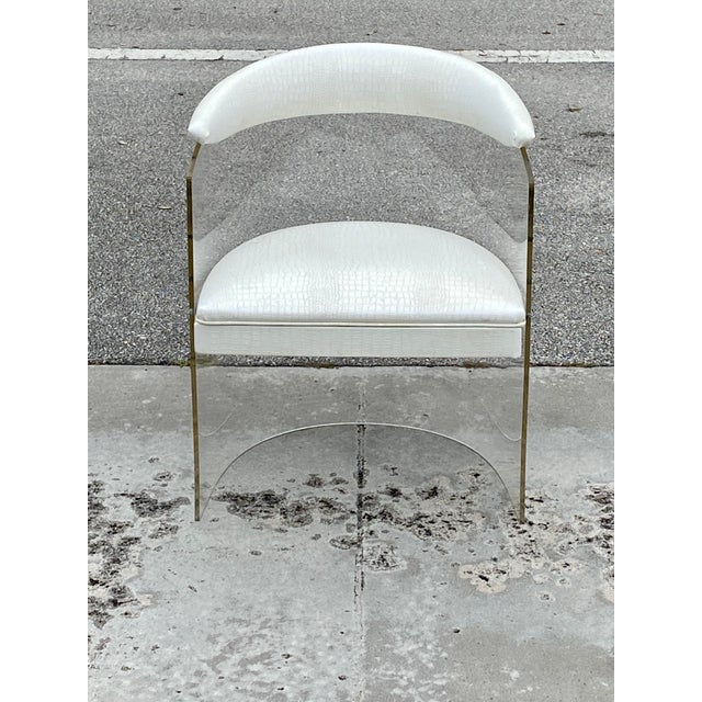 Mid-Century Modern Lucite Barrel Back Chairs - Set of 4 For Sale - Image 3 of 13