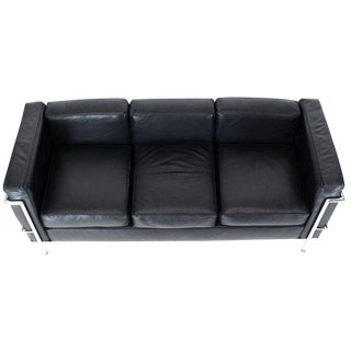 1980s Vintage Alivar Le Corbusier Black Leather Three-Seat Sofa For Sale