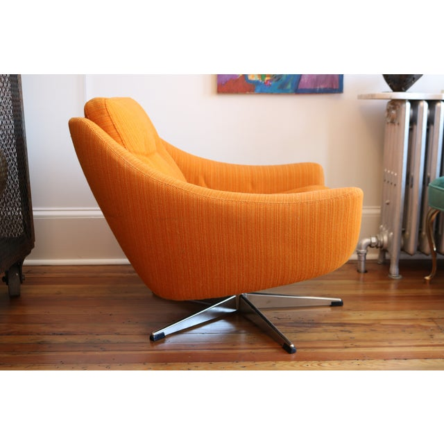Orange Mid-Century Swivel Chair For Sale - Image 4 of 6