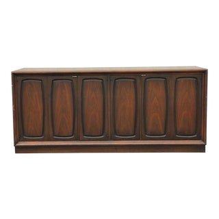 Mid Century Modern Broyhill Emphasis Buffet For Sale
