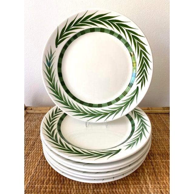 Late 20th Century Este Ceramiche Vietri Green Laurel Rim Dinner Plates - Set of 7 For Sale - Image 5 of 10