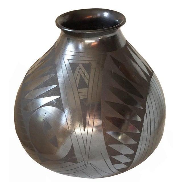 Contemporary Lucie Zete (Mata Ortiz, Oaxaca, Mexico) Black Earthenware Olla, 20th Century For Sale - Image 3 of 3