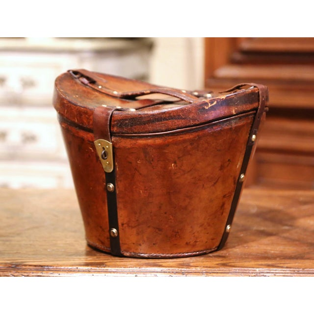 French Mid-19th Century French Oval Pigskin Leather Top Hat Box From Paris For Sale - Image 3 of 11