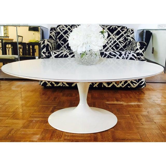 Eero Saarinen for Knoll Pedestal Coffee Table - Image 5 of 6