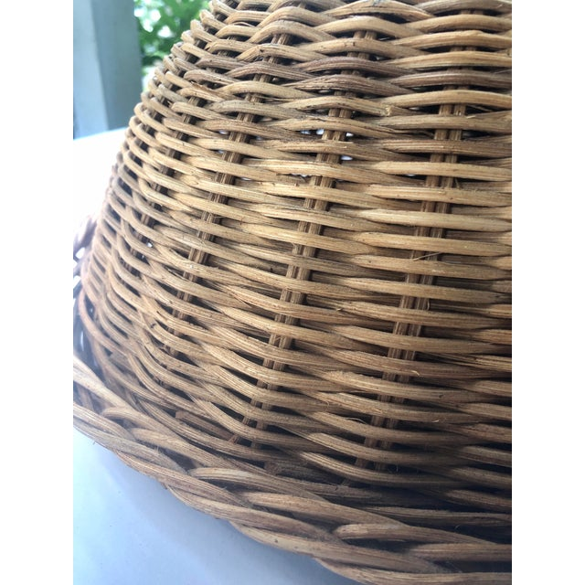 Tan Large French Cloche Cheese Bell in Natural Woven Wicker Rattan With Leather Handle For Sale - Image 8 of 13