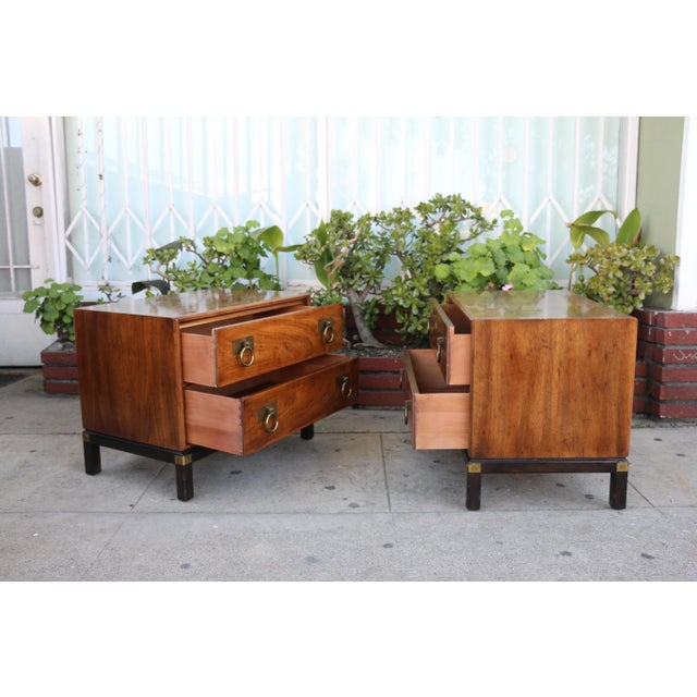 Brass 1970s Mid-Century Modern Henredon Nightstands with Brass Accent - a Pair For Sale - Image 7 of 12