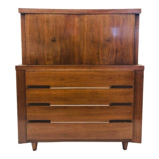 Vintage Mid Century Modern Dresser Chest For Sale