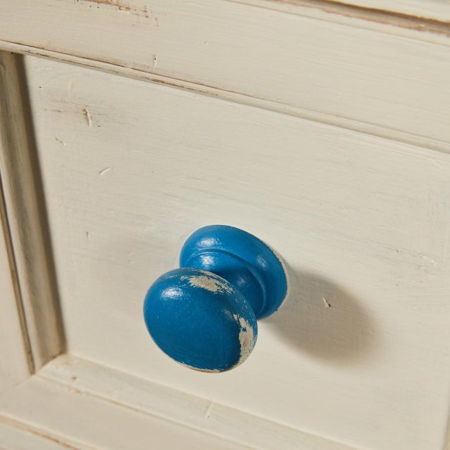 English Painted Chest of Drawers With Blue Knobs For Sale - Image 4 of 7