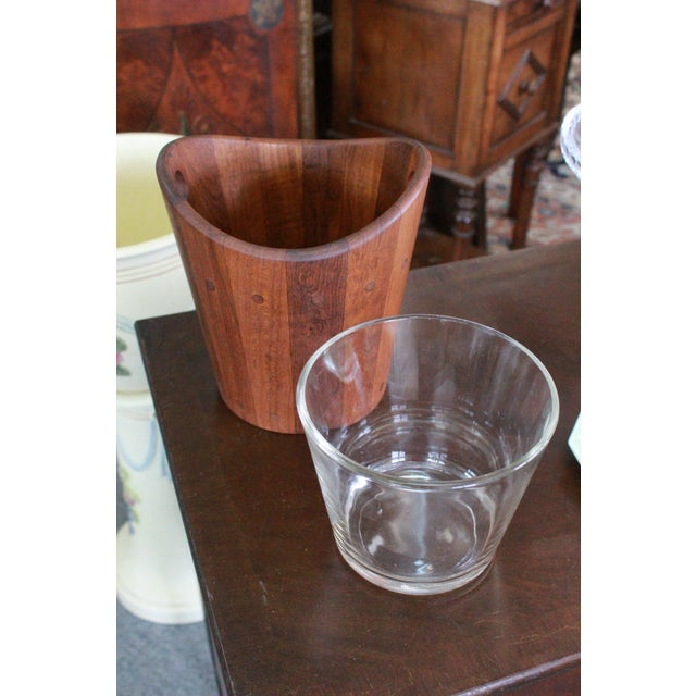 Vintage Mid-Century Modern Ice Bucket For Sale In New York - Image 6 of 7