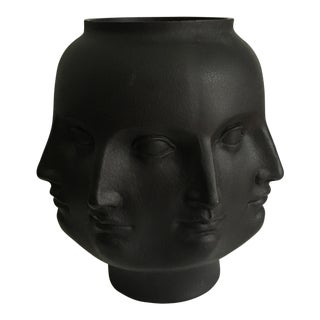 Dora Mara Perpetual Face Vase