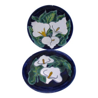 Mexican Talavera Calla Lily Display Platters, a Pair For Sale