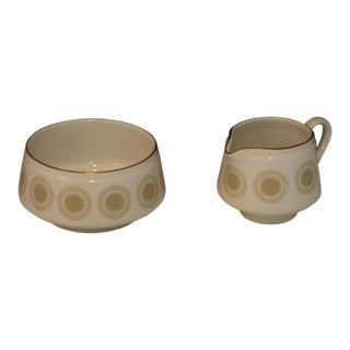 Mid Century Modern Arabia of Finland Bellis Pattern Porcelain Open Sugar Bowl & Creamer Set - a Pair For Sale