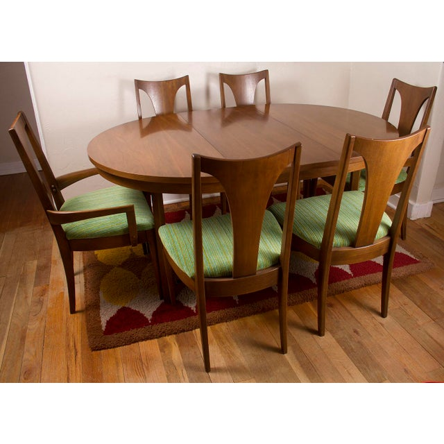 Vintage Mid Century Modern Broyhill Emphasis Walnut Round Oval Pedestal Dining Table With 2 Leaves 6 Chairs Chairish