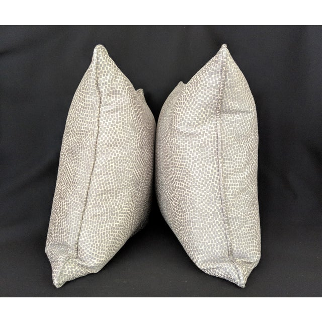Contemporary Silver & White Kravet Fabric Pillows – a Pair For Sale - Image 3 of 7