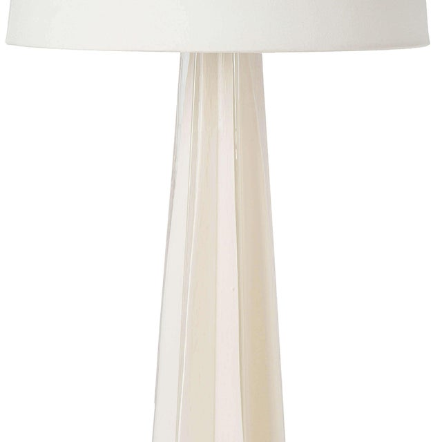 Traditional Glass Star Table Lamp in White For Sale - Image 3 of 6