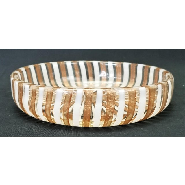 Hollywood Regency 1950s Vintage Murano Copper and White Glass Bowl by Fratelli Toso For Sale - Image 3 of 8