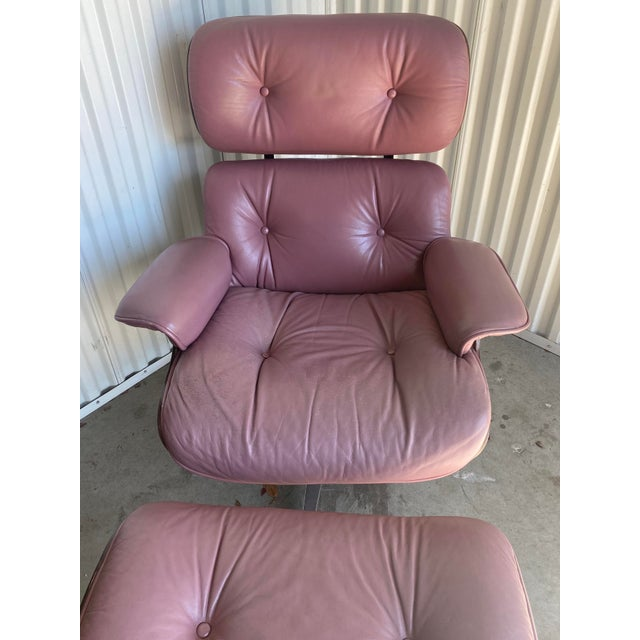Mid 20th Century Vintage Lounge Chair and Ottoman in the Manner of Charles Eames For Sale - Image 5 of 8