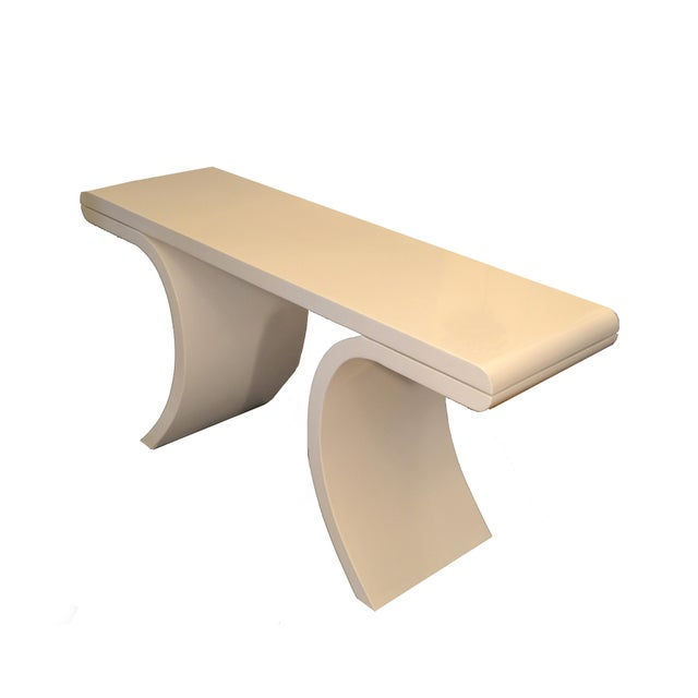 Hollywood Regency White Lacquer Console Table With Curved Legs For Sale In Miami - Image 6 of 11