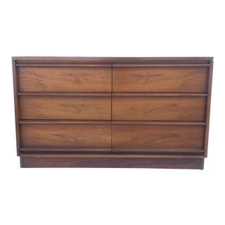 Mid-Century Six Drawer Dresser by Lane For Sale