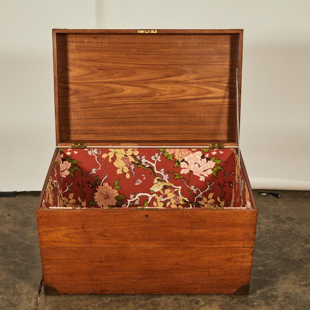 English Trunk With Brass Corners For Sale - Image 4 of 7