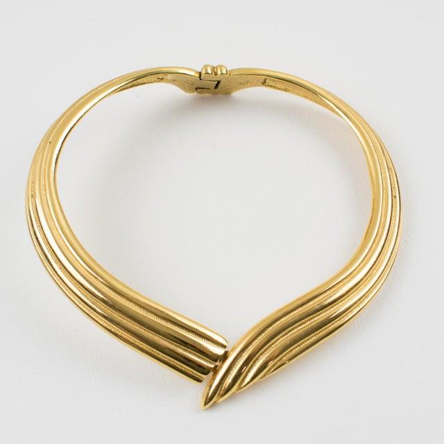 c9cdc7e7e04 Yves Saint Laurent Ysl Paris Gilt Metal Rigid Dog Collar Necklace For Sale  - Image 10