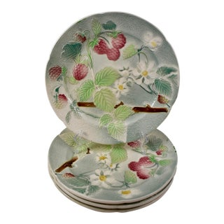 C. 1900 St. Clement French Faïence Strawberry Fruit Plates, S/4 For Sale