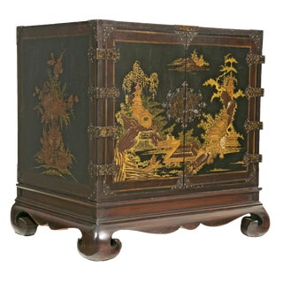 1950s Chinese Lacquered Cabinet For Sale