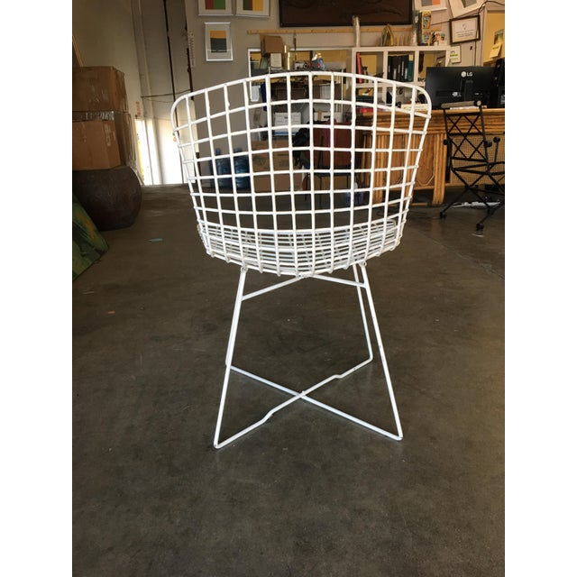 "White Bertoia Steel Wire ""X"" Base Side Chairs by Knoll - Set of 6 For Sale In Los Angeles - Image 6 of 10"