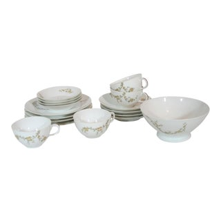 1940's Vintage Haviland Limoges France Lunchen Set- 17 Pieces For Sale