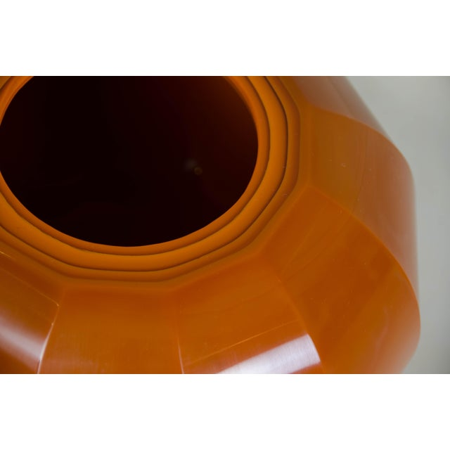 Contemporary Mila Peking Hand Blown Glass 12 Facet Jarlet by Robert Kuo For Sale - Image 3 of 7