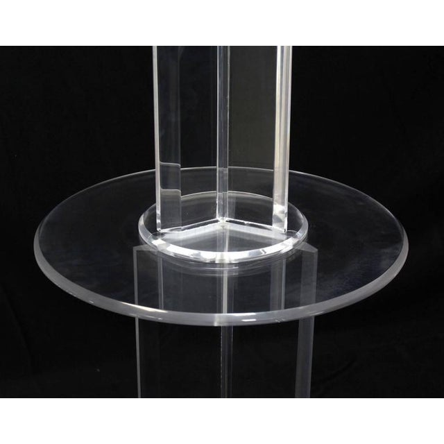 Plastic Mid Century Modern Lucite Floor Lamp with Round Built In Table For Sale - Image 7 of 9