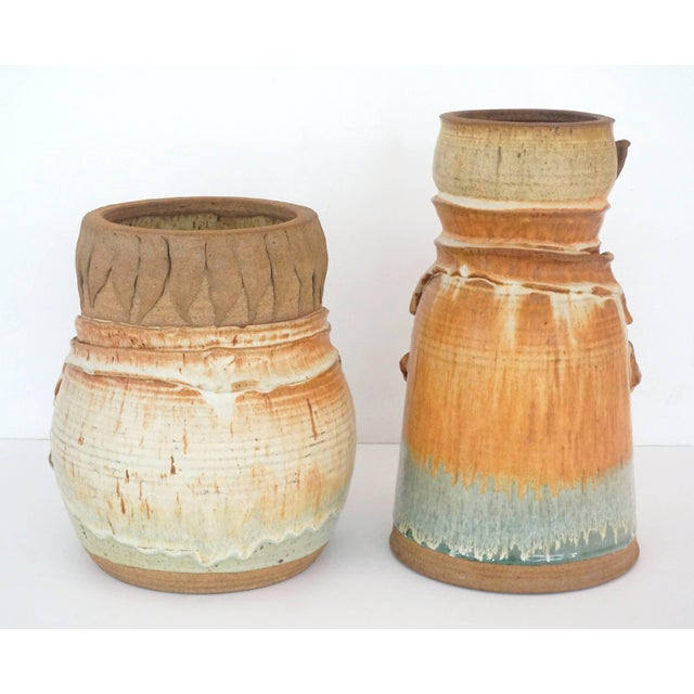 "Artisan Earthen-Ware ""Laurel & Hardy"" Vases by Reese 1974 - Set of 2 For Sale - Image 4 of 11"
