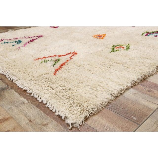 Moroccan Contemporary Berber Azilal Rug - 06'08 X 08'00 For Sale In Dallas - Image 6 of 10