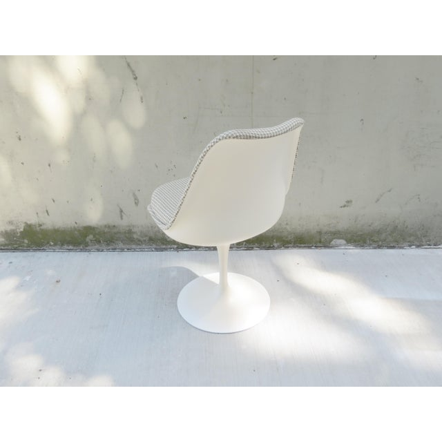 Vintage Modern Knoll Saarinen Tulip Side Chairs - Set of 6 For Sale - Image 5 of 9