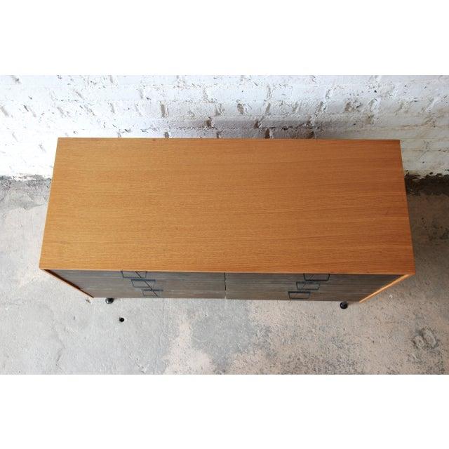 Brown Raymond Loewy for Mengel Mid-Century Modern Six-Drawer Dresser For Sale - Image 8 of 11