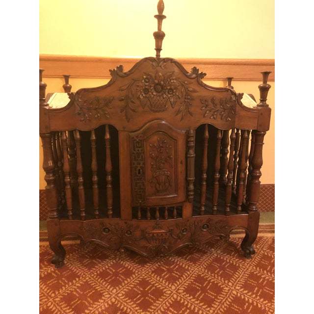 18th Century Walnut Panetiere For Sale - Image 4 of 4