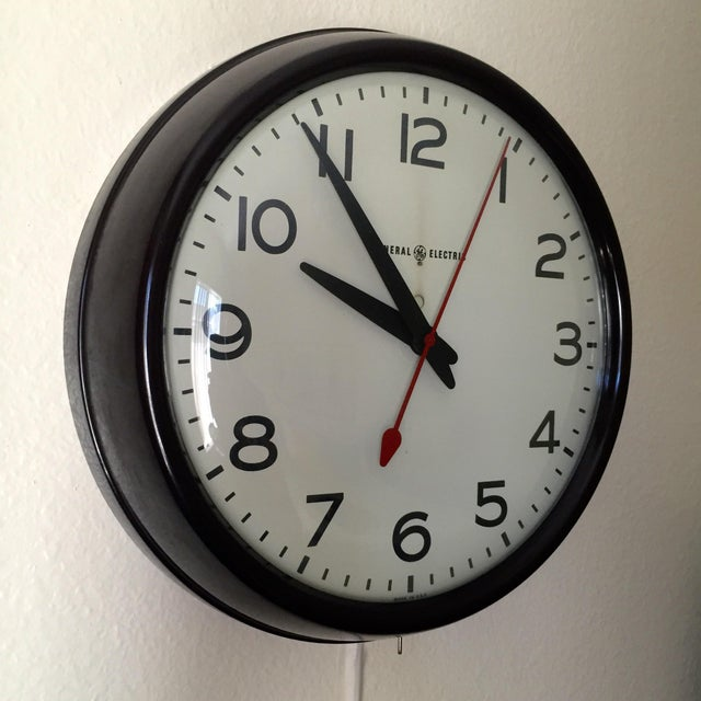 Mid-Century Modern MCM General Electric Second Hand Wall Clock For Sale - Image 3 of 6