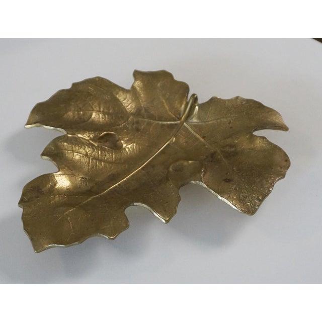 1948 Vintage Va Metalcrafters 4-13 Brass Fig Leaf For Sale In Palm Springs - Image 6 of 6