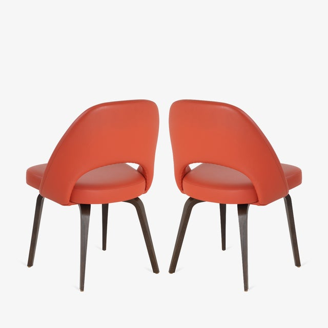 Knoll Saarinen Executive Armless Chairs in Burnt Orange Leather and Walnut Legs, Pair For Sale - Image 4 of 8