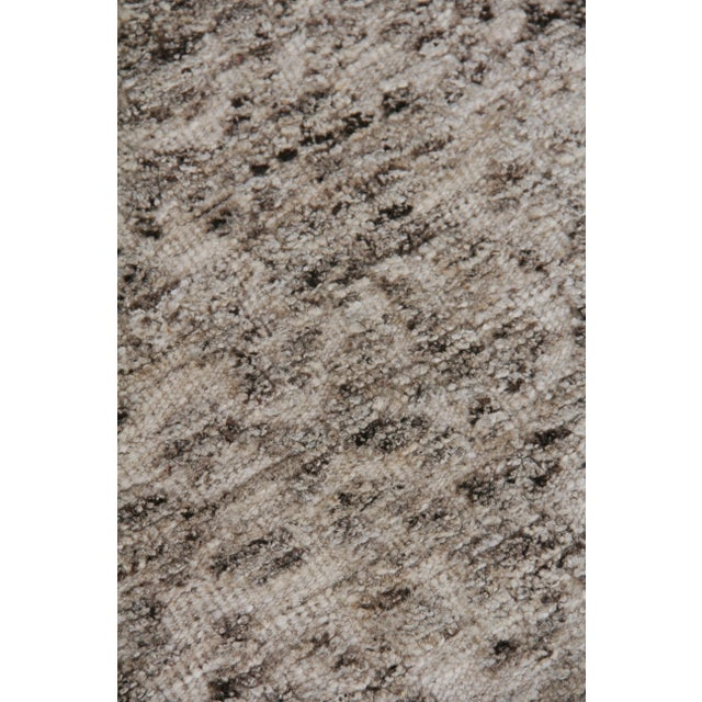 """Transitional Sens Hand knotted Wool/Viscose Ivory/Gray Rug-8'x10'"""" For Sale - Image 3 of 8"""