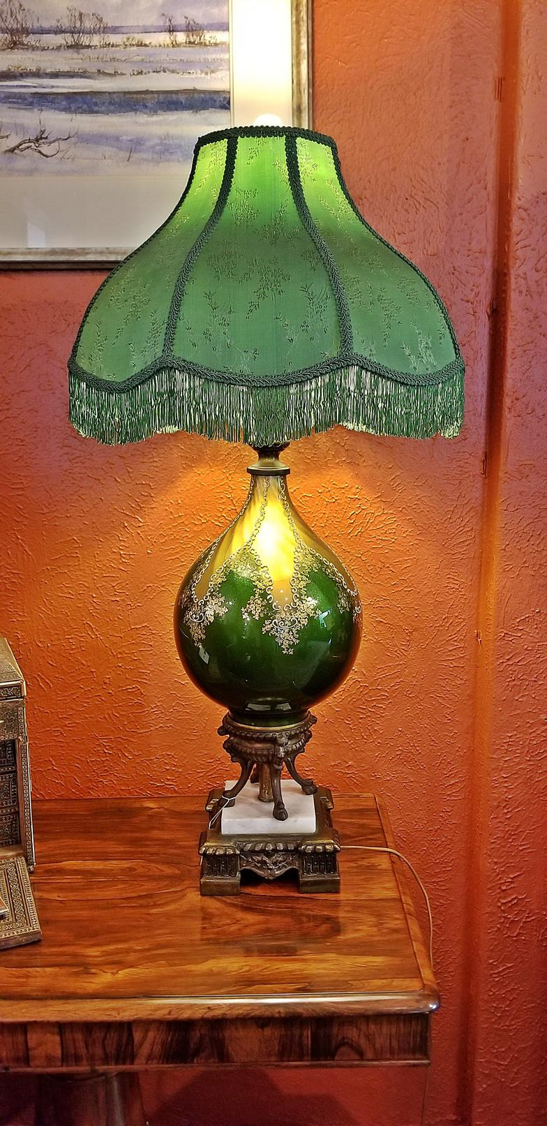 Exquisite Vintage Murano Glass Table Lamp With Gold Overlay And