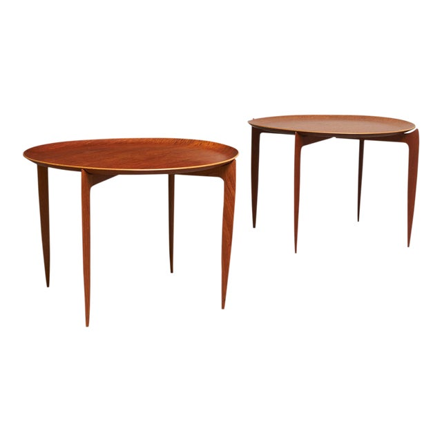 Svend Aage-Williamson & H. Engholm tray tables for Fritz Hansen - a pair For Sale