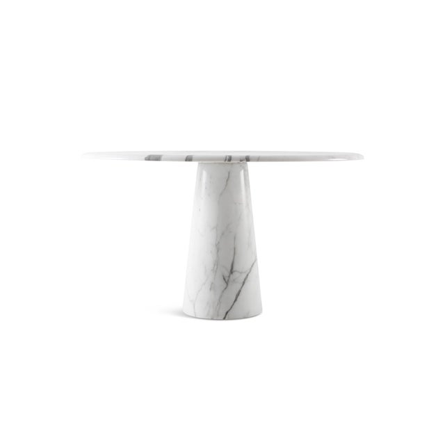 Marble round dining table in the manner of Angelo Mangiarotti, made in Italy 1970s. This conical table was made of solid...