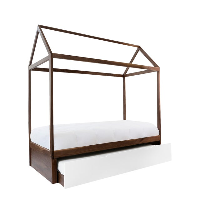 Domo Zen Full Trundle Canopy Bed in Walnut With White Finish For Sale
